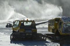 Nieve que hace el equipo Foto de archivo libre de regalías