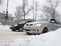 Nieve que retarda tráfico Fotografía de archivo