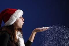 Nieve que sopla del duende femenino Imagenes de archivo