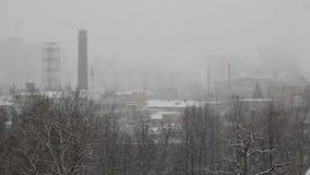 Nieve sobre el área de la producción metrajes