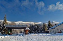 Nieve y cielo azul Fotografía de archivo