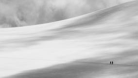 Nieve y nubes en las montan@as Fotos de archivo libres de regalías