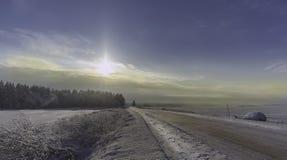 Nieves acumulada por la ventisca del invierno, invierno ruso Fotos de archivo libres de regalías