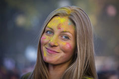 Niewiadoma dziewczyna jest uczestnikiem kulturalny Sziget w Budapest i festiwal muzyki, Węgry Zdjęcia Royalty Free
