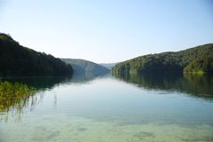 Niewychowany jezioro w Plivitce parku narodowym, Chorwacja zdjęcia royalty free