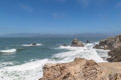 Niewygładzony Kalifornijski Nabrzeżny krajobraz zdjęcia royalty free