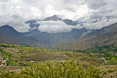 Niewygładzony krajobraz blisko Mukthinath świątyni, Nepal zdjęcie royalty free
