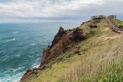 Niewygładzony krajobraz i nabrzeżny przejście na Jeju wyspie obrazy royalty free