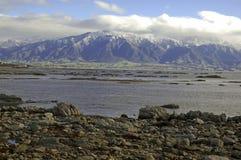 Niewygładzony wybrzeże Kaikoura, Nowa Zelandia zdjęcia stock