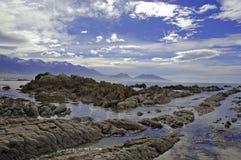 Niewygładzony wybrzeże Kaikoura, Nowa Zelandia obrazy stock