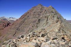 Niewygładzony wysokogórski krajobraz wałkoniący się Dzwon i łoś Rozciągamy się, Kolorado, Skaliste góry zdjęcia stock
