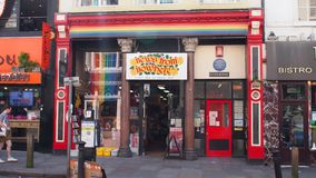 Niezależna księgarnia w Śmiałym Ulicznym Liverpool, Anglia obraz stock