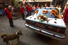 Niezidentyfikowani muzycy w tradycyjnym Nepalskim ślubie Obraz Royalty Free