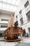 Niezidentyfikowani turyści i architektura jesteśmy w Wojennym pomniku Korea Zdjęcie Stock