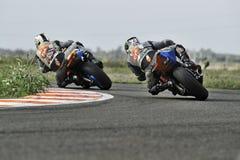 Niezidentyfikowany jeździec uczestniczy w Rumuńskim mistrzostwo motocyklu Zdjęcie Stock