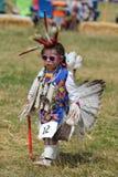 Niezidentyfikowany Młody rodowity amerykanin podczas 40th Rocznego Thunderbird Amerykańsko-indiański Powwow obraz royalty free