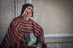 Niezidentyfikowany miejscowy Yampara mężczyzna z tradycyjną plemienną odzieżą obraz stock