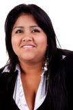 niezobowiązująco ubierająca szczęśliwa wielka łacińska kobieta zdjęcia stock
