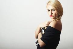 Niezwykłe Piękne blondynów Woman.Red Seksowne wargi Zdjęcia Royalty Free
