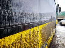 Niezwykle brudny międzymiastowy autobus zdjęcie stock