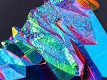 Niezwykle szczegółowy i ostry Titanium tęczy aury kwarcowego kryształu grona szczegół brać z makro- obiektywem zdjęcia stock
