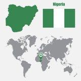 Nigeria mapa na światowej mapie z flaga i mapy pointerem również zwrócić corel ilustracji wektora ilustracji