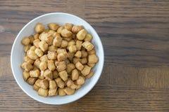 Nigerianska Chin Chin Snack Served på partier arkivbild