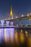 Nigh sikt över framdel för Rama Suspension broflod Fotografering för Bildbyråer
