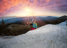Night climbing bicycle racer Royalty Free Stock Photos