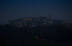 Night Landing at Heathrow airport Stock Photography