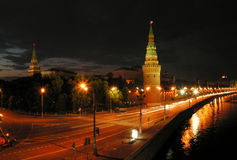 Night Moscow. The Kremlin wall along the river of Moscow stock photos
