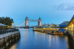 Night photo of Tower Bridge in London, England Stock Photography