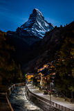 Night photo of Zermatt city and Matterhorn Royalty Free Stock Photography
