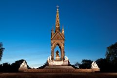 Night scene of Prince Albert memorial  London Stock Images
