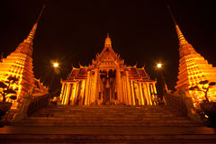 Night scene of Wat Phra Kaew is the temple Royalty Free Stock Photography