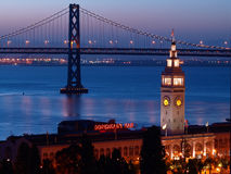 The night scenes of Ferry Building & Bay Bridge Royalty Free Stock Photos