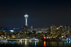 night seattle skyline στοκ φωτογραφία με δικαίωμα ελεύθερης χρήσης