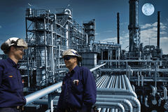 Free Night Shift At Large Oil And Gas Refinery Stock Image - 29388101