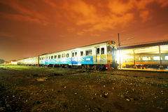 Night shot, Diesel rail car. For free local train from chiang mai to Nakhonsawan Royalty Free Stock Photos