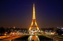 Night shot of Eiffel Tower Royalty Free Stock Photos