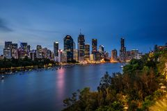 Night skyline of Brisbane city and Brisbane river from Kangaroo Point Royalty Free Stock Photography