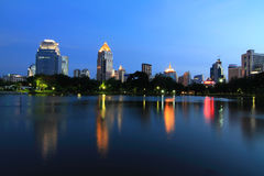 Night time at the lake in the city Stock Photos