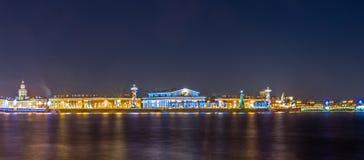Night view on Arrow of Vasilievsky island in Saint-Petersburg Stock Photography