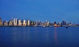 Night view of the Manhattan skyline in New York City Stock Photography