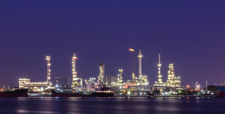 Night view of oil refinery plant Royalty Free Stock Photography