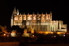 Night view of Palma de Mallorca Cathedral, La Seu, from the port. Palma, Majorca. Spain Stock Photography