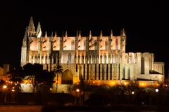Night view of Palma de Mallorca Cathedral, La Seu, from the port. Palma, Majorca. Spain Royalty Free Stock Photos
