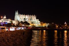 Night view of Palma de Mallorca Cathedral, La Seu, from the port. Palma, Majorca. Spain Stock Photo