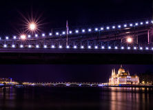 The night view of the Parlament building and the Danube under th Royalty Free Stock Photography