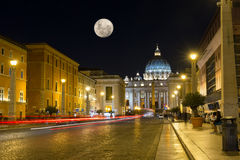 Night view of the St. Peter's Basilica in Rome, Vatican Royalty Free Stock Photography
